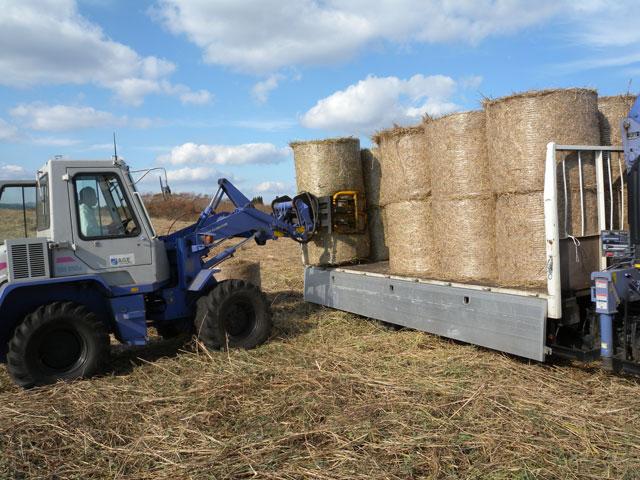 5.ローダー+4トントラック(積込)